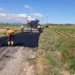 Recta final de las obras de asfaltado de dos tramos del camino de la Jimena y de la cuesta de La Parra