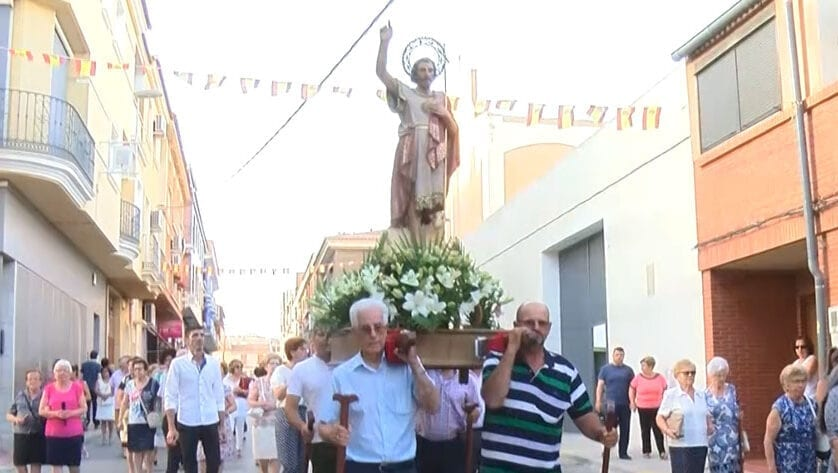Las Fiestas de San Juan sacan a la gente a la calle