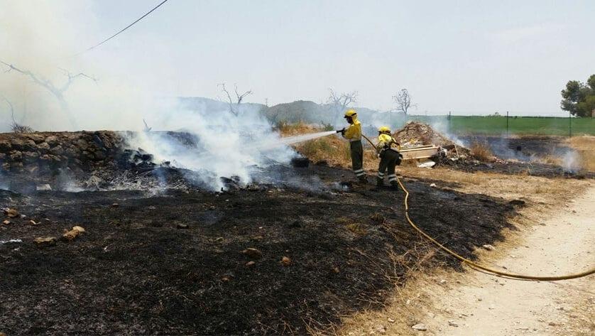 Prohibido hacer fuego en entornos forestales para evitar el riesgo de incendios