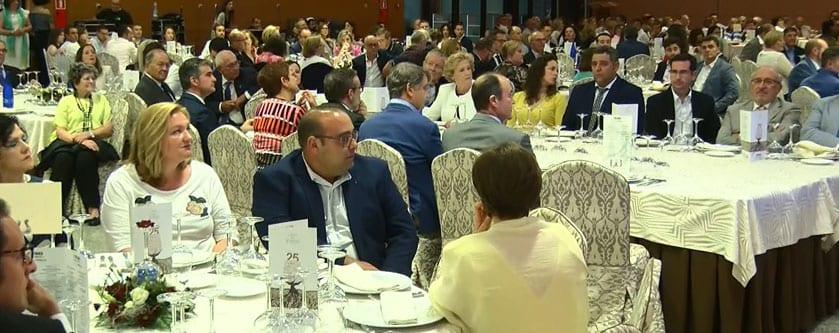 Más de medio millar de personas asistieron a la cena-gala
