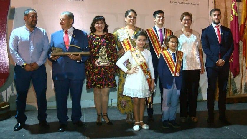 Pedro Lencina y Fina Mari Martínez Agricultor del Año y Bodeguera Mayor