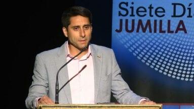 El presidente de la Federación de Atletismo de la Región de Murcia fue el encargador de recibir a todos los premiados