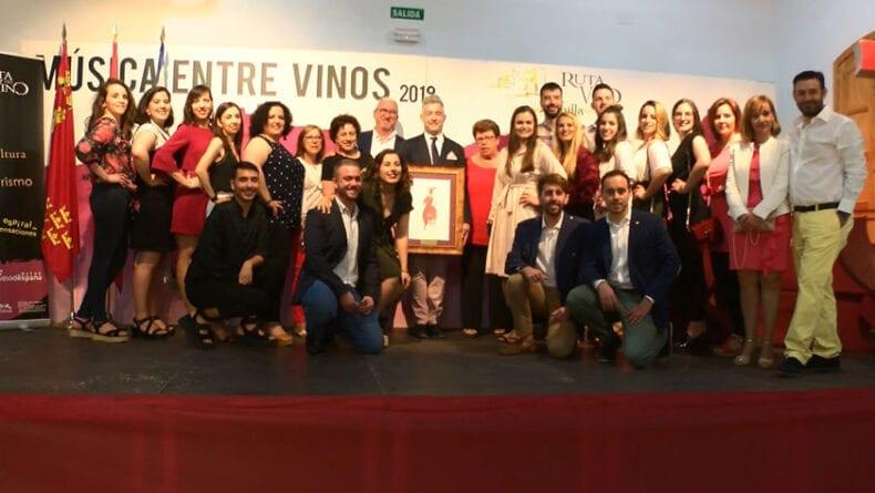 La Insignia de Oro en Música Entre Vinos 2019 ha sido para el grupo de Coros y Danzas Francisco Salzillo de Jumilla