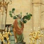 La imagen de San Pedro procesiona por las calles de Jumilla para celebrar su onomástica