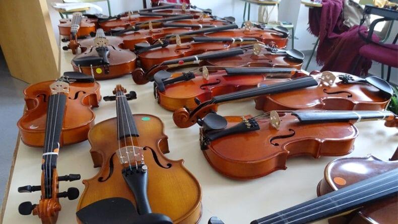 Entre otras muchas actividades han realizado un curso de Iniciación al Violín
