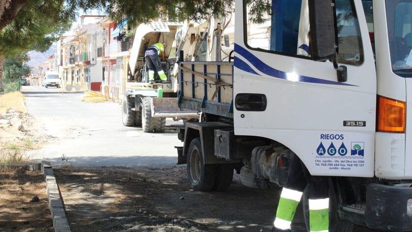 Comienzan las obras de renovación de infraestructuras de la calle Álvarez Quintero