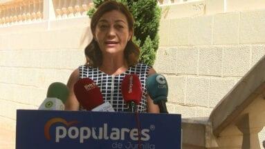 Seve González presidenta y portavoz del Partido Popular de Jumilla durante la rueda de prensa