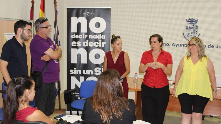 La sesión se ha celebrado en el Centro de Servicios Sociales