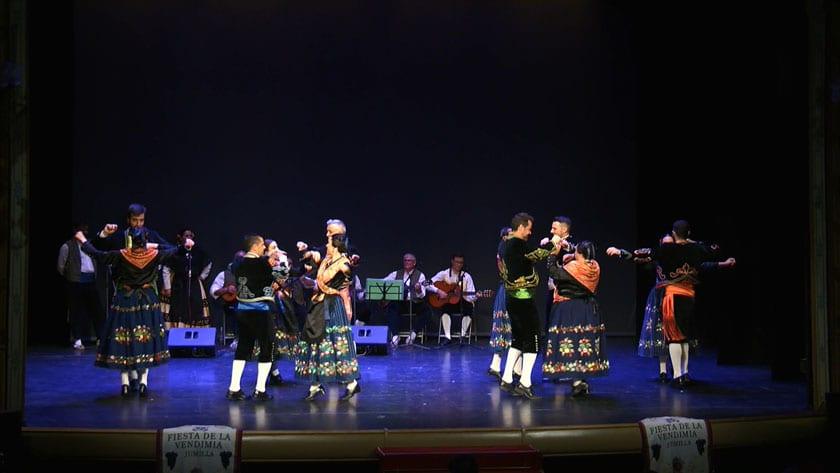 El grupo de Coros y Danzas Francisco Salzillo abrió el acto del pregón