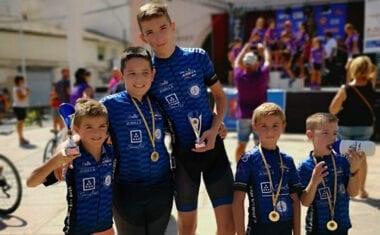 La Escuela de Ciclismo Jumilla no dejó de dar pedales durante las fiestas