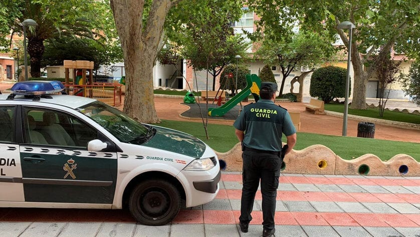 La Guardia Civil detiene a un individuo que vigilaba y perseguía a varias jóvenes en la localidad