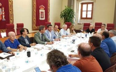 Mejorar la rentabilidad de las explotaciones de vid y la escasez de agua fueron las grandes cuestiones en la VII Mesa del Vino