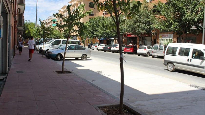 Termina la primera fase de la renovación de aceras en avenida de Levante