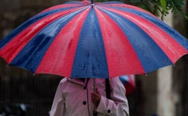 Se suspenden las clases en toda la Región también para el viernes por el riesgo extremo de fuertes lluvias
