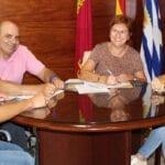 Ayuntamiento y AMFIJU renuevan su convenio de colaboración de 20.000 euros