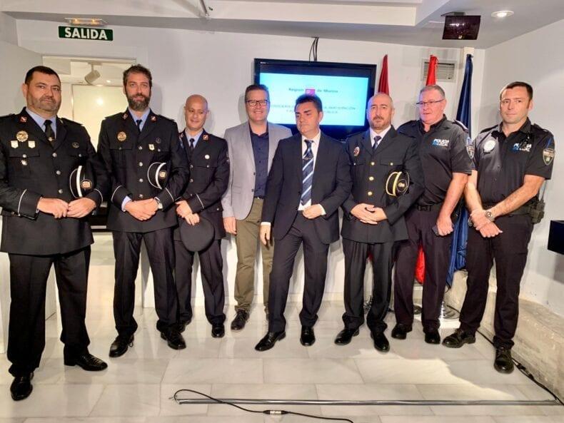 Miembros de Policia Local Jumilla y Protección Civil Jumilla junto a Antonio Luis Mula
