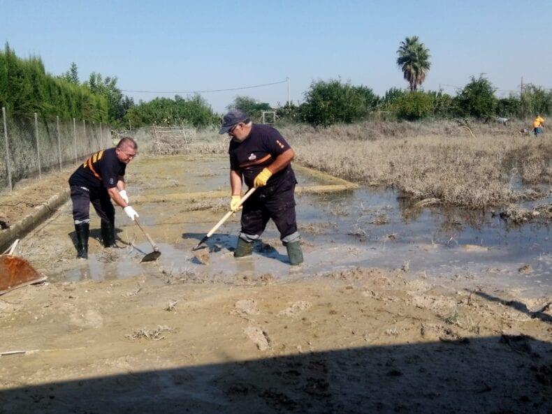 Protección Civil Jumilla realiza trabajos de limpieza en Lorquí tras la DANA