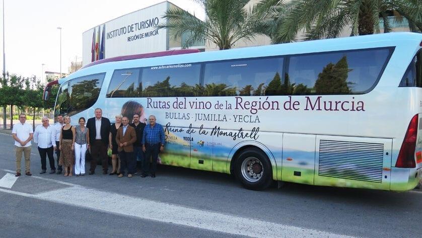 Aumentan un 21% los enoturistas del 'Bus del Vino', que estrenará nuevas rutas por Bullas, Jumilla y Yecla