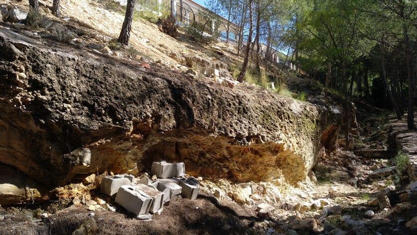 Izquierda Unida Verdes exige la limpieza de escombros generados en la obra de ampliación de nichos del Cementerio