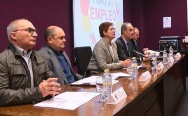 La I Feria del Empleo organizada por el Ayuntamiento ha sido punto de encuentro de trabajadores, empresarios y emprendedores