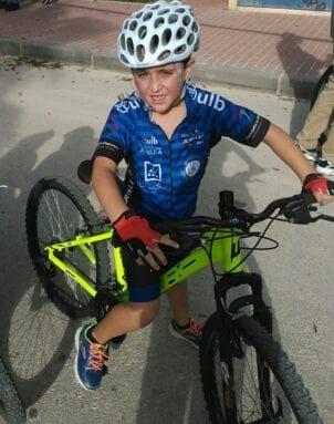 Mario Toral de la Escuela de Ciclismo Jumilla en la segunda cita del Regional de Ciclocross