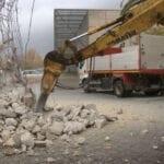 El Partido Popular califica de atropello la demolición de la peana del mástil de la bandera del Paseo
