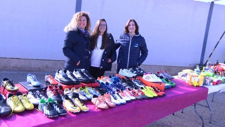 Desde la EMFBJ se ha puesto en marcha un banco de botas de fútbol usadas para jugadores de la Escuela con pocos recursos