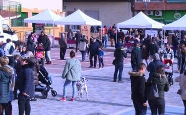 La Fiesta del Comercio en Navidad centró la atención en la plaza del Mercado de Abastos