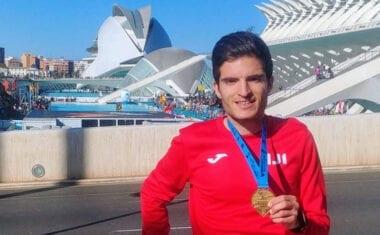 Juan Francisco Moreno de Hinneni Trail Running baja de las 3 horas en la Maratón de Valencia