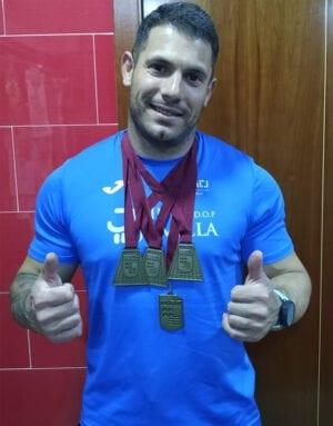 Alejandro Barrón con sus cuatro medallas de oro