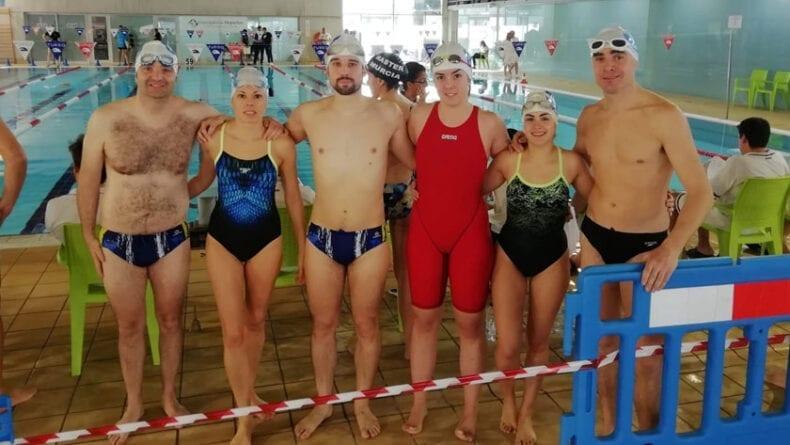 Algunos de los nadadores máster del Club Natación Jumilla