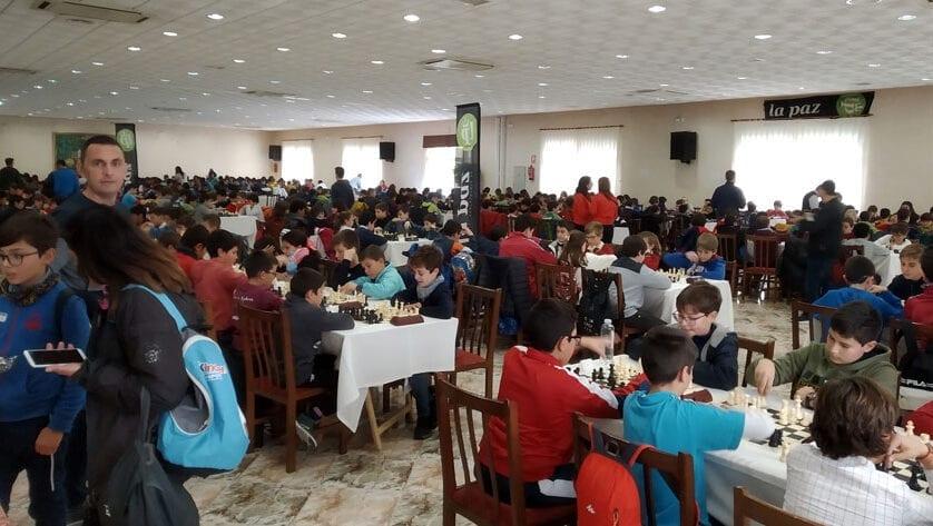 Numerosa participación de los escolares jumillanos en la primera jornada de ajedrez del 'Deporte Escolar'
