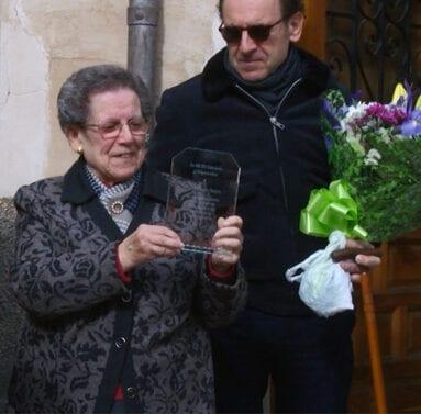 Emotivo homenaje a la vecina Ana Soriano Olivares