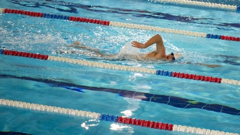 La distancia para los nadadores junior era de 3.000 m
