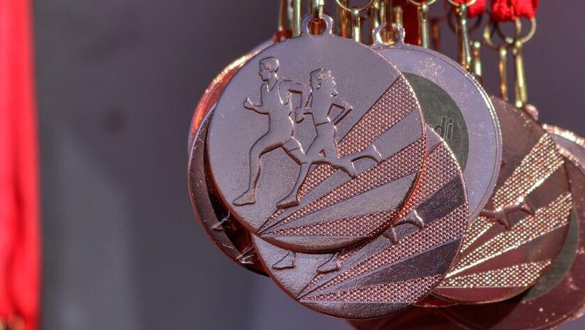 Lluvia de medallas para el Athletic Club Vinos DOP Jumilla en el Regional Máster y en el de Lanzamientos Largos de Invierno