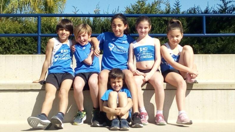 Algunos de los atletas del Athletic Club Vinos DOP Jumilla en el Regional de Pruebas Combinadas