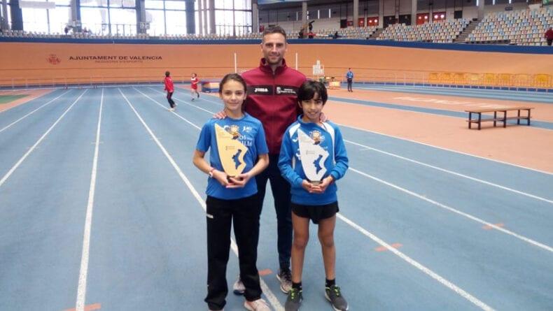 Asunción Mateo y Sergio Martínez junto a su entrenador Vicente Mateo