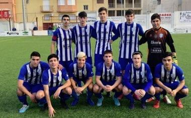 Los dos equipos juveniles de la Escuela de Fútbol saldaron su jornada con victoria