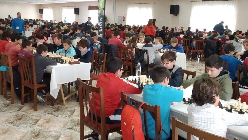 Podio para el colegio Miguel Hernández en el Torneo de Ajedrez 'Deporte Escolar Región de Murcia'