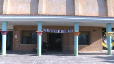 La guardería está ubicada en la parte posterior del edificio de las Madres Dominicas, con entrada por la calle San Antón