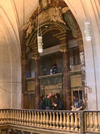 Las obras han comenzado con la limpieza del órgano que acumulaba mucho polvo y suciedad