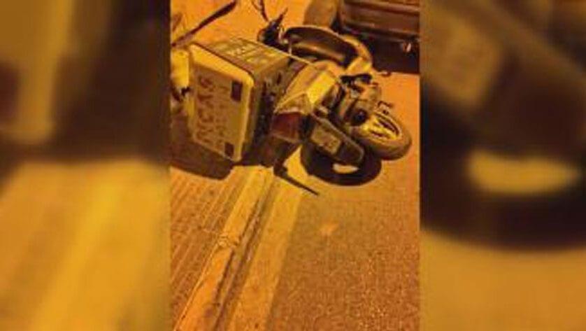 Agrede a un repartidor de comida a domicilio y sale huyendo en un vehículo