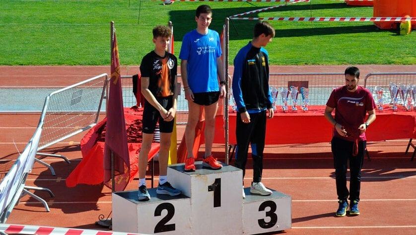 El Athletic Club Vinos DOP Jumilla cierra la Liga Regional de Cross con tres puestos de podio