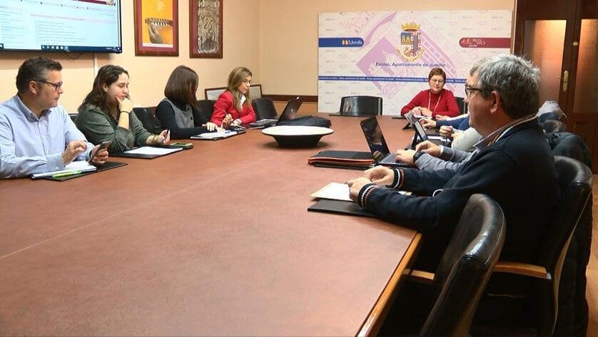 La Junta de Gobierno aprueba la memoria para contratación temporal de un operario y dos peones de albañilería