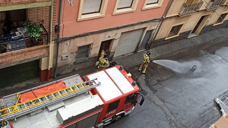 Actuación de los bomberos de Jumilla en calle Goya