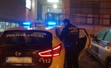 Detenida una persona por resistencia y desobediencia reiterada a las indicaciones de la policía