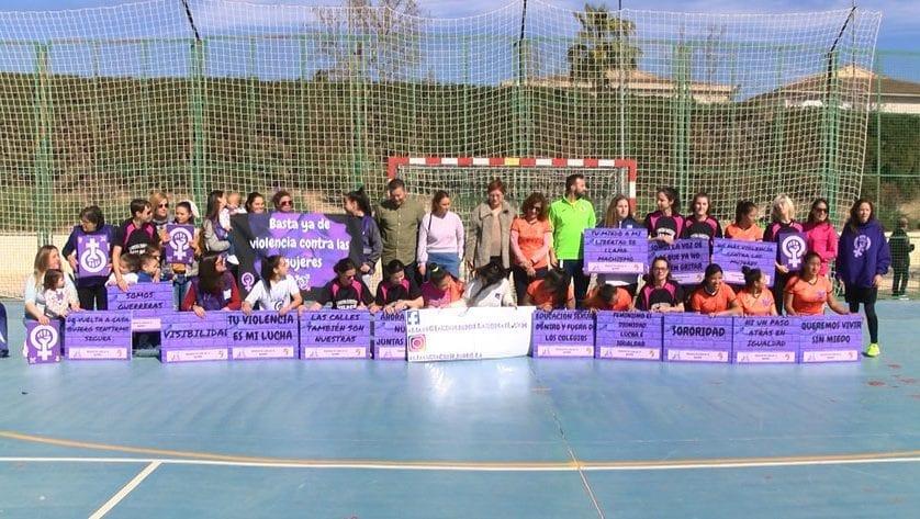 Ali celebra el Día Internacional de la Mujer con un partido de fútbol sala y una marcha por las calles de Jumilla