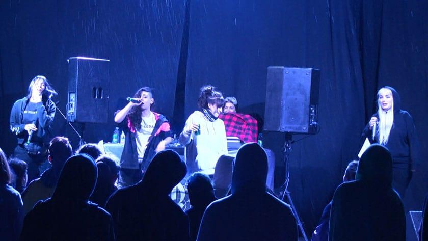 El sábado se realizó un concierto de rap en el patio del Mercado