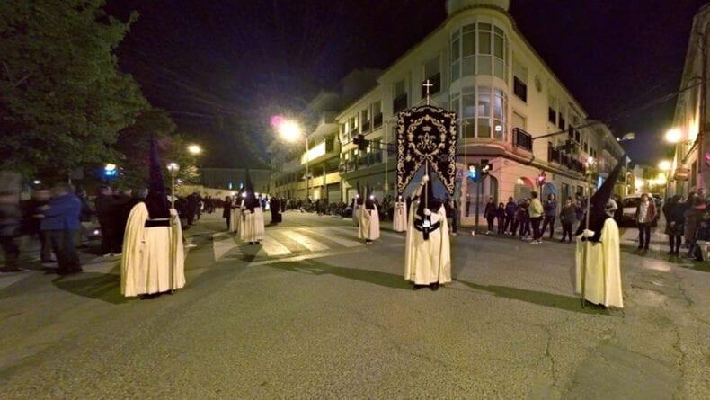 Frame de la experiencia virtual de la procesión de las promesas del rosario de Lunes Santo