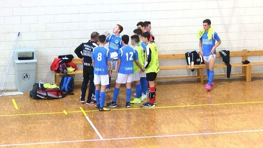 Gran victoria de los cadetes de la Escuela Fútbol Sala Bodegas Carchelo ante un rival directo